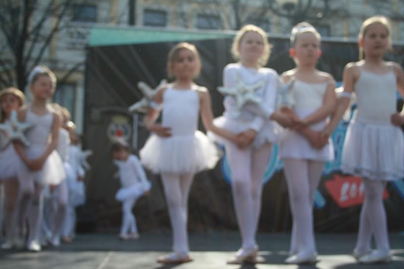 http://piproductions.no/images/Photos/dansensdager2014/ballett/img_0137.jpg