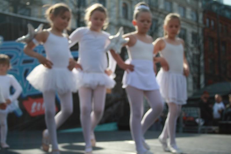 http://piproductions.no/images/Photos/dansensdager2014/ballett/img_0148.jpg
